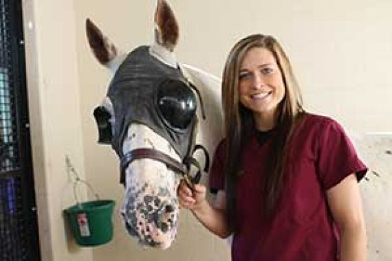 Girl with the Horse | Best Animal Hospital | Bannon Woods Veterinary Hospital | Louiseville KY